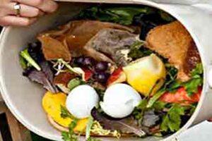 Ispra: in Italia buttiamo più alimenti di quanti ne mangiamo